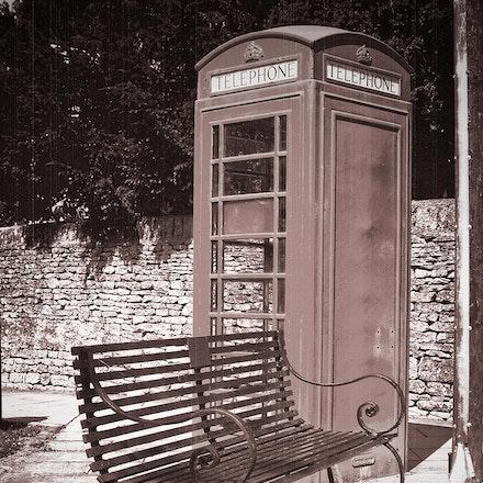 Telephone_Bench_01 - OLYMPUS DIGITAL CAMERA