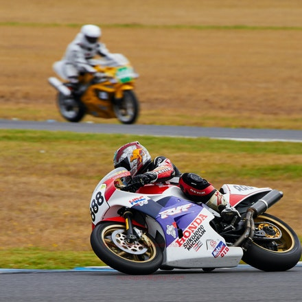 Mark McVeigh, Race  2  (File: 0962) - Race 2, Turn 4  (File: 0962)
