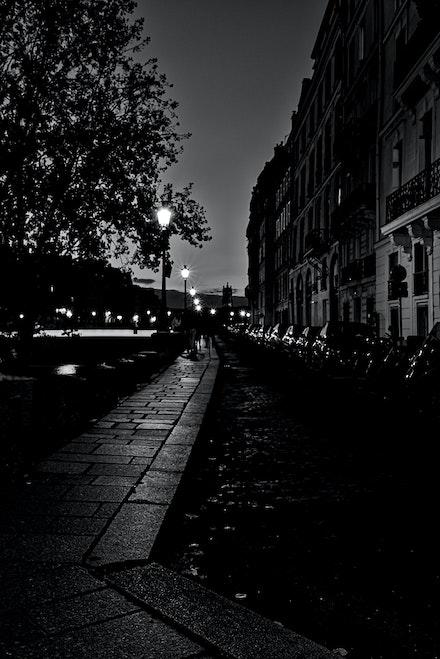 097 - 4th -Ile Saint Louis - 06-09-16-0425-Edit - Early evening on I'lle Saint Louis