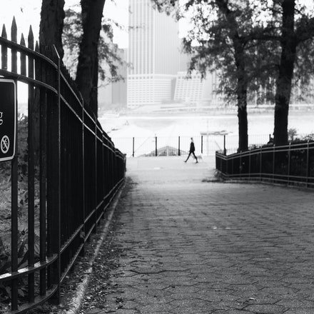 NYC - No Bicycling - Looking towards the East River, Brooklyn Heights